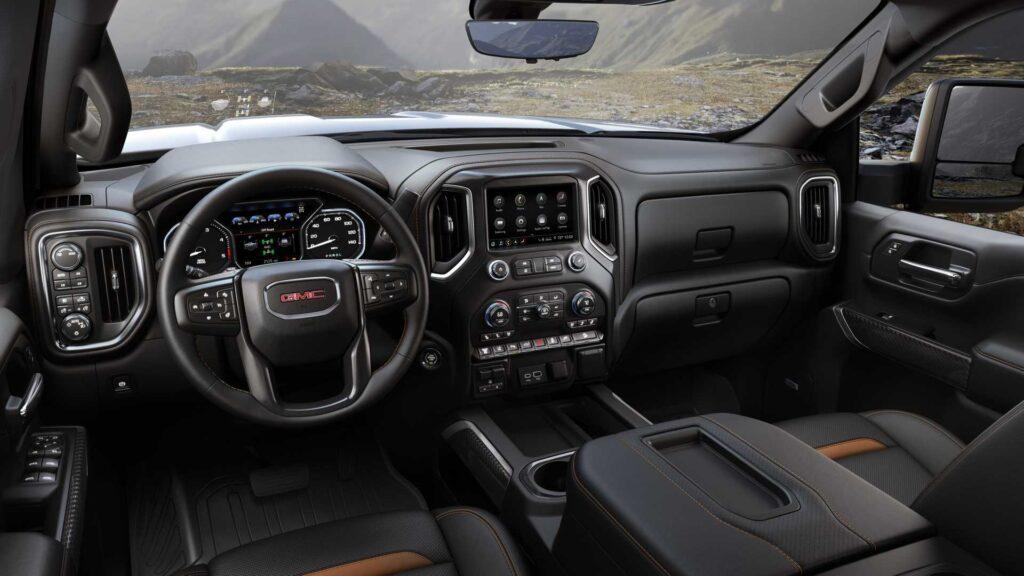 GMC Cadillac'tan Daha Çok Lüks Araç Sattı