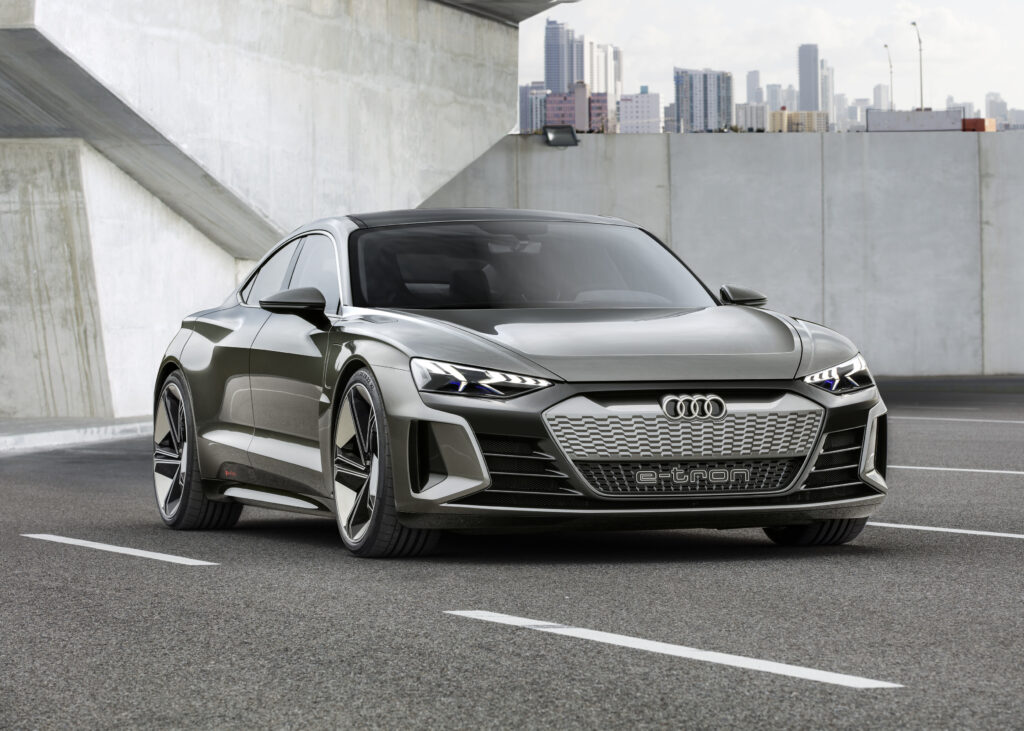 2021'de Gelecek En Merakle Beklenen Elektrikli Otomobiller